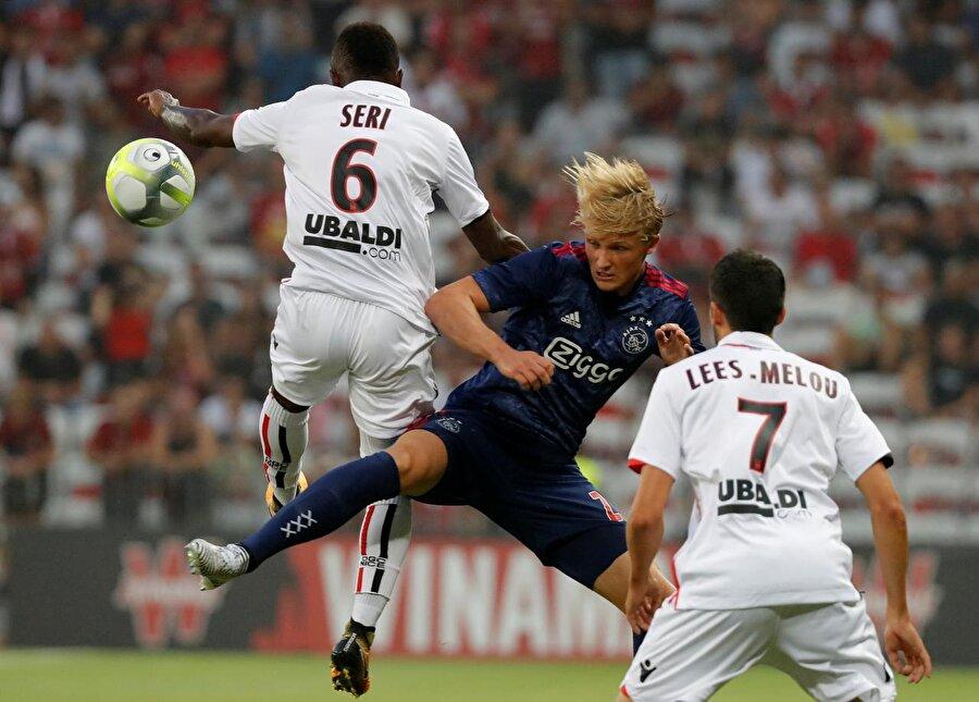 Ajax (Hollanda) Şampiyonlar Ligi 3. ön eleme turu ilk maçında Nice ile deplasmanda 1-1 berabere kalan Ajax, rakibini elemesi halinde Başakşehir'in muhtemel rakipleri arasındaki yerini alacak.