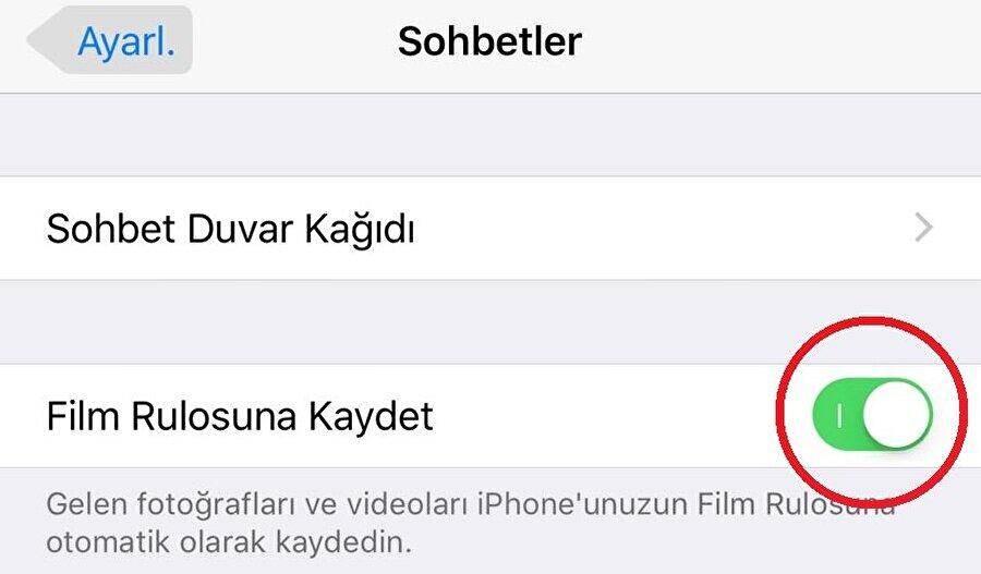 """iPhone: WhatsApp'tan gelen fotoğrafların telefona kaydolması nasıl engellenir?                                      WhatsApp'tan gelen fotoğrafların iPhone'larda otomatik kaydolmasını engellemek için de yapılması gereken işlem esasında gayet basit. Bunun için WhatsApp uygulamasında Ayarlar > Sohbetler > """"Film Rulosuna Kaydet"""" kısmındaki onayı kaldırmak yeterli. Böylece gelen fotoğraf ve videolar siz indirmediğiniz ve kaydetmediğiniz sürece otomatik olarak telefonun Film Rulosu bölümüne kaydolmuyor."""
