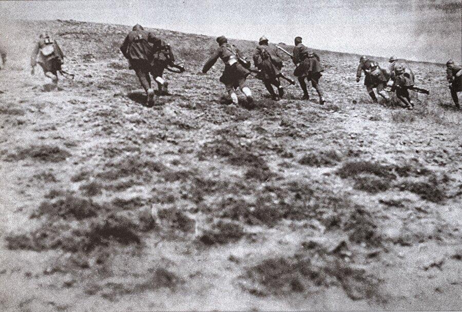 Gaziantep, Mersin ve Antalya'nın işgalden kurtulduğu Milli Mücadele'de Sakarya Meydan Muharebesi dönüm noktası oldu.