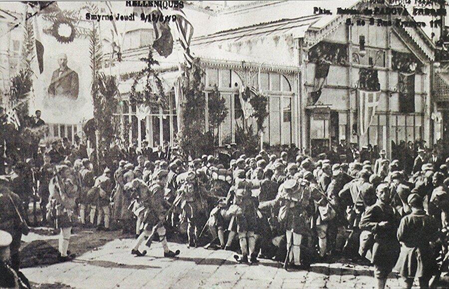 Yunanlılar, Türk ordusunun hızla ilerlemesi nedeniyle Eskişehir-Afyon hattına kadar çekilmek zorunda kaldı.