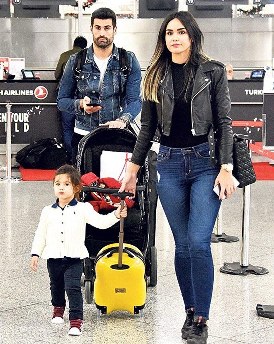 İkinci kez baba oldu!                                      Fenerbahçe'nin tecrübeli kaptanı Volkan Demirel, ikinci kez baba oldu.