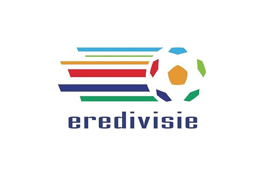 Hollanda Yabancı oyuncu sınırlaması: Yok Kadroda bulunabilecek yabancı oyuncu sayısı: Sınırsız (Şartlı) Sahaya çıkabilecek yabancı oyuncu sayısı: Sınırsız Şart: 18,19 ve 20 yaşındaki futbolcular için asgari maaş FIFA sıralaması: 36 2010 Dünya Kupası: İkincilik 2012 Avrupa Şampiyonası: Grup sonuncusu 2014 Dünya Kupası: Üçüncülük 2016 Avrupa Şampiyonası: Katılamadı
