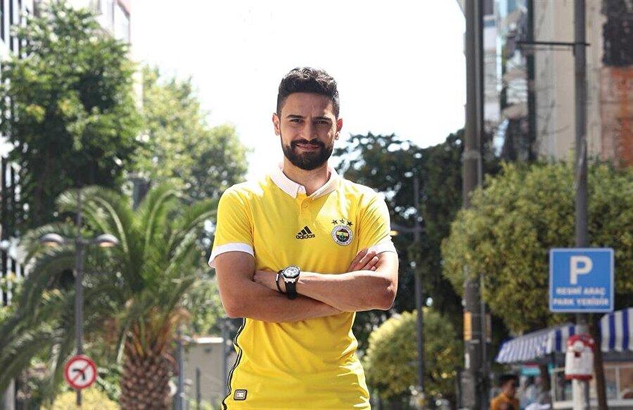 Mehmet Ekici                                                                                                                                                     Eski Takımı: TrabzonsporYeni Takımı: Fenerbahçe