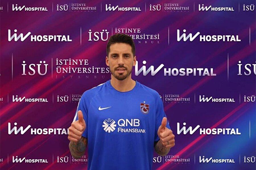 Jose Sosa                                                                                                                                                     Eski Takımı: MilanYeni Takımı: Trabzonspor
