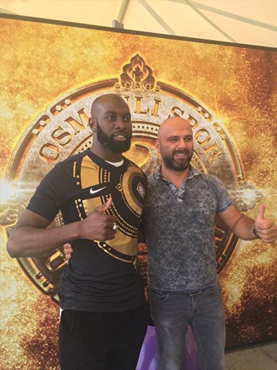 Souleymane Doukara                                                                                                                                                     Eski Takımı: Leeds UnitedYeni Takımı: Osmanlıspor