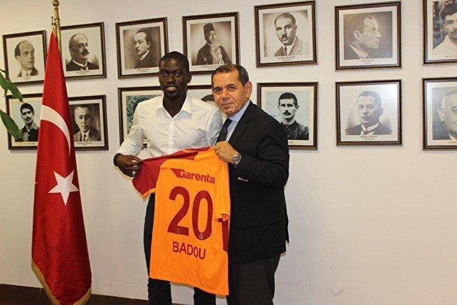 Badou Ndiaye                                                                                                                                                     Eski Takımı: OsmanlısporYeni Takımı: Galatasaray