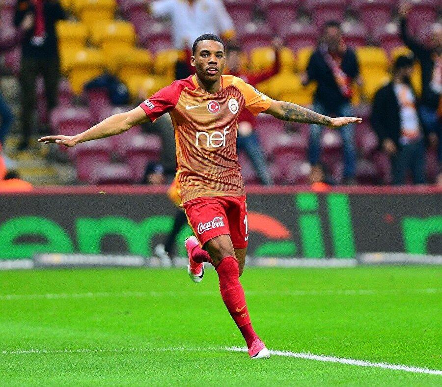 Garry Rodrigues                                                                           Geldiği takım: PaokBonservis ücreti: 3.5 milyon Euro Galatasaray'dan kazanacağı yıllık ücret: 1.35 milyon Euro Şu anki piyasa değeri: 3.5 milyon Euro