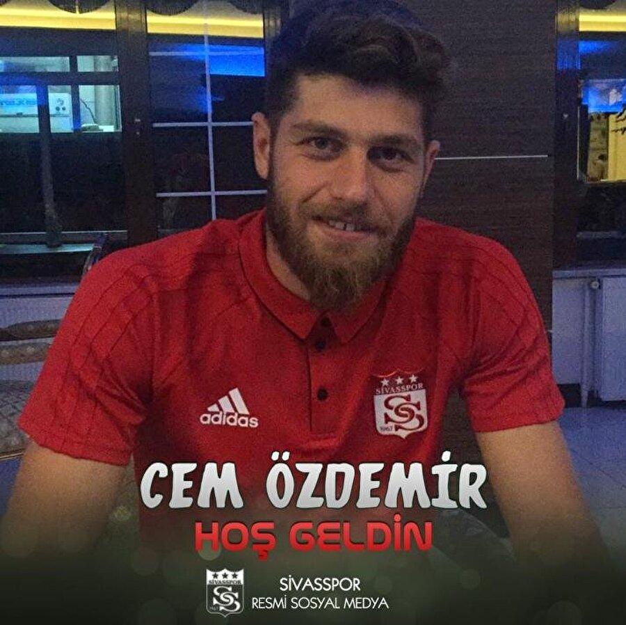 Cem Özdemir                                                                                                                                                     Eski Takımı: AdanasporYeni Takımı: Demir Grup Sivasspor