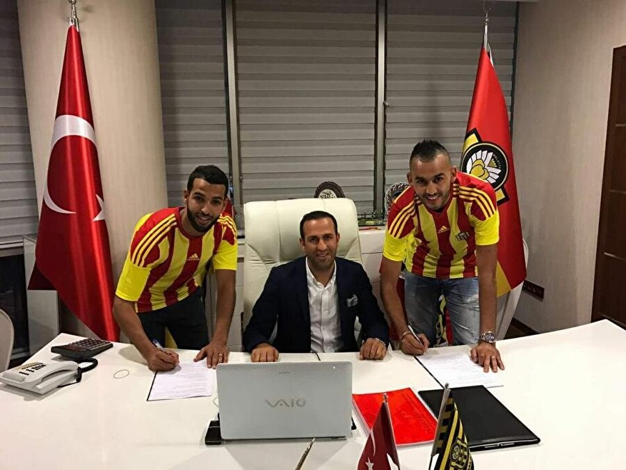 Khalid Boutaibi (Sağda)                                                                                                                                                     Eski Takımı: StrasbourgYeni Takımı: Yeni Malatyaspor