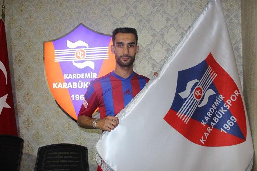 Ferhat Görgülü                                                                                                                                                     Eski Takımı: GençlerbirliğiYeni Takımı: Kardemir Karabükspor