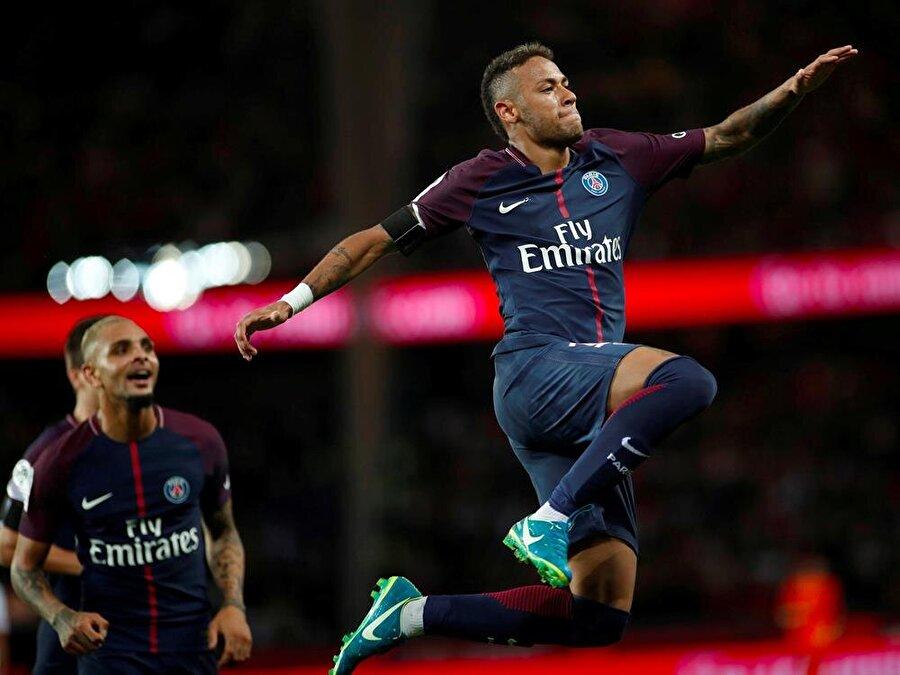 7. Neymar: 87 PSG