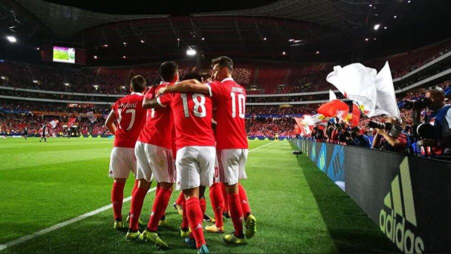 10-) Benfica