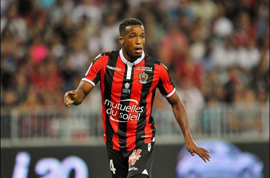 Nice'ten Alassane Plea:                                       Mali asıllı Fransız oyuncu 24 yaşında. Mevkisi forvet. Bu sezon 9 maçta 5 gol kaydetti. Sözleşmesi sezon sonunda bitiyor.
