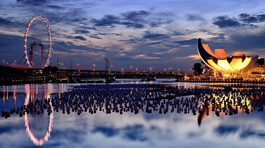 Singapur - 13.45 milyon ziyaretçi