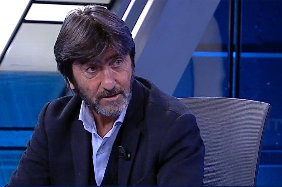 """Rıdvan Dilmen'in açıklamalarının tamamı şu şekilde: Akhisar genelde içeride Fenerbahçe'yi yeniyor. Yine yendi. Fenerbahçe pozisyona giremedi. Aykut Kocaman, 'Bizi Beşiktaş maçını kazandığımıza pişman ettiler' demişti. MHK de ne yaptı? Öyle bir hakem atayım ki dedi..MHK dedi ki 'En yaşlı, en tecrübeli hakemi yollayayım ki maçı yönetmesin 'idare etsin' dedi. Fenerbahçe kazandığı zaman lige dahil edilen takım olur. Kaybettiği zaman kötü oynayan takım olur. Aykut Kocaman'ı eleştireceğiz tamam da 1 haftadır Ali Palabıyık üzerinden giden Fenerbahçe var. """"Hafta boyunca öyle bir baskı oldu ki, hakem """"aman Fenerbahçe lehine bi hata yapmayayım"""" dedi. Fenerbahçe yenildi ya. Şimdi herkes rahatlamıştır. Şimdi bakalım komplo teorileri yapacaklar mı? kadar zıvanadan çıktılar ki o kadar zıvanadan çıktılar! Göze soka soka soka... Geçen sezon ne Fenerbahçe devredeydi, ne Galatasaray devredeydi. Süt liman gidiyordu her şey... Türk futbolunda adalet yok, şeffaflık yok, raporlar değişir. Tüm sorumlusu TFF. İftira atıyorsam şikayet etsinler, Çağlayan şurası"""" TFF, artık meşruluğunu kaybetmiştir. Bence Fenerbahçe, Beşiktaş ve Galatasaray'ın arkasında. Ama bırakın oyun sahada oynansın. Kurallara uyacaksın. Uymazsan, böyle bir hakem gelir, hiç alakası yokken bir gol yaratır, Ozan'a faul yapılıyor. Türkiye Cumhuriyeti'nde herkes, 'Aykut Kocaman kötüydü, Ozan kötüydü, Valbuena herkese çalım atmaya çalışıyor' yazacak. Hani beIN Sports'un projesi ne oldu? O kadar zıvanadan çıktılar ki... Seviyorum çocuğu ama, Volkan Babacan için görüntüde var, vurmadı dediniz ya... Ne biçim memleket burası kardeşim. Türk futbolunda adalet yok, şeffaflık yok, raporlar değişir. Tüm sorumlusu TFF. İftira atıyorsam şikayet etsinler!"""