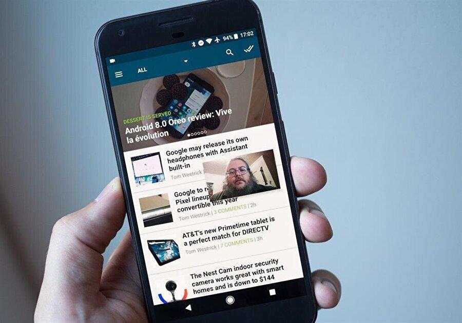 """Android Oreo'da """"resim içinde resim"""" özelliği WhatsApp'ın ilk etapta Android versiyonu için konuşulan en önemli yeniliklerden biri de PIP adı verilen """"resim içinde resim"""" özelliği. Bu sayede uygulamalar arasında gezinti sırasında WhatsApp'ı tamamen kapatmadan uygulama üzerinden mesaj atmak mümkün olacak. Bu sistemin özellikle görüntülü görüşmeler sırasında büyük kolaylık sağlayacağı kesin."""