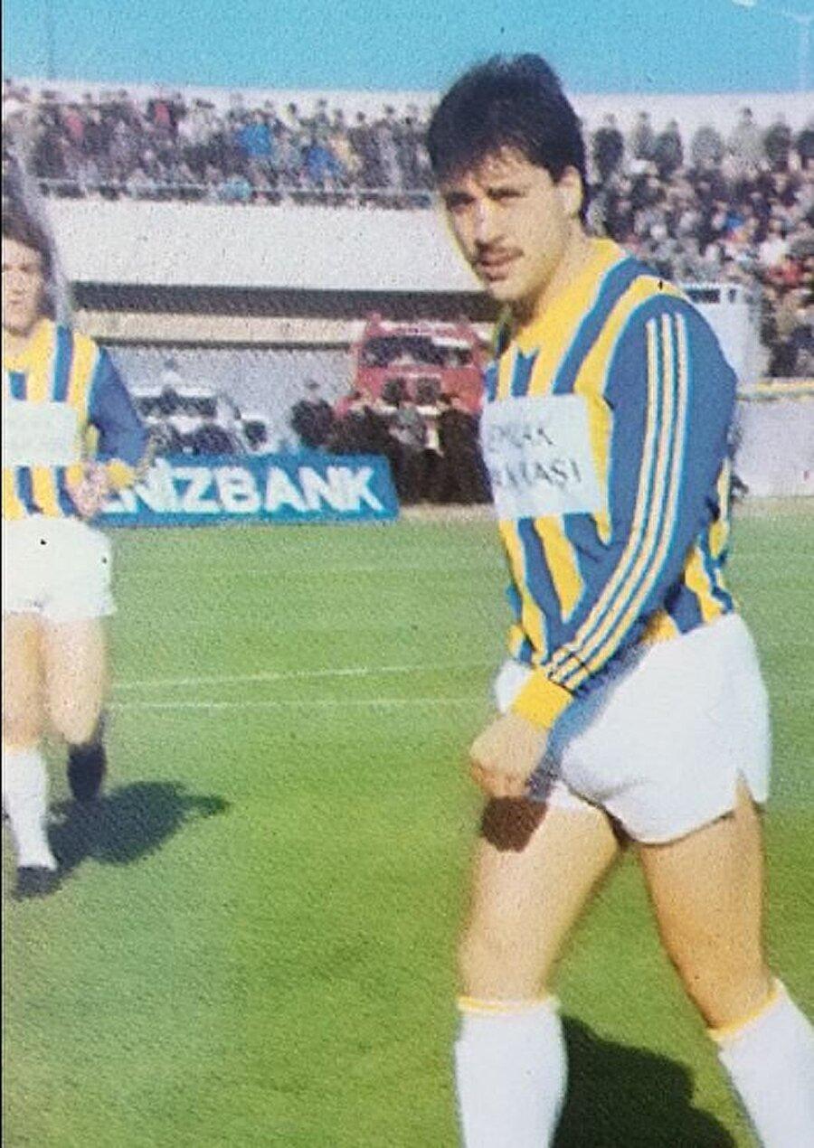 Müjdat Yetkiner, 16 Kasım 1961'de İstanbul'da dünyaya geldi.