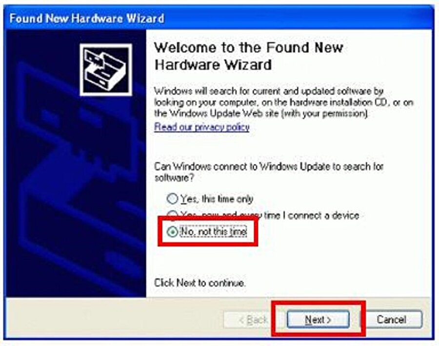 Tak ve Kullan: Windows XP ile gelen en önemli yeniliklerden biri de Tak ve Kullan'dı. Zira bu özellik sayesinde sisteme yazıcı, klavye, fare ya da ek bir çevre birimi bağlandığında bilgisayar otomatik olarak tanımlamayı kendisi gerçekleştiriyordu. Üstelik bilgisayarı da yeniden başlatmaya gerek kalmıyordu.