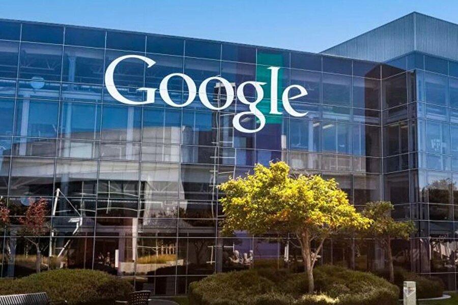 Google, 2010 yılından bu yana her ay 2 farklı firmayı kendi bünyesine katıyor.