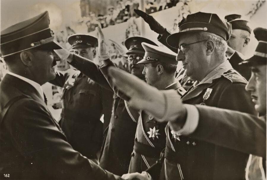 Muzaffer Almanya                                                                           Almanlar deneyim açısından en kazançlı çıkan ülke oldu. İspanya İç Savaşı Hitler'in durumunu güçlendirdi. Fransa üçüncü bir faşist komşuya sahip oldu. Bu savaşta Alman Kondor Lejyonu hava taktiklerini ve teorilerini deneme fırsatı buldu. Ayrıca Akdeniz'deki bu gerginlik Hitler'in Orta Avrupa'da rahat hareket etmesini; Avusturya ile Çekoslovakya'yı ilhakını kolaylaştırdı. Ayrıca Madrid'i Berlin-Roma Anti Kominterin paktına yakınlaştırdı. 1940'da Çelik Pakt adını alacak olan üçlü dayanışmanın temelleri de atılmış oldu.