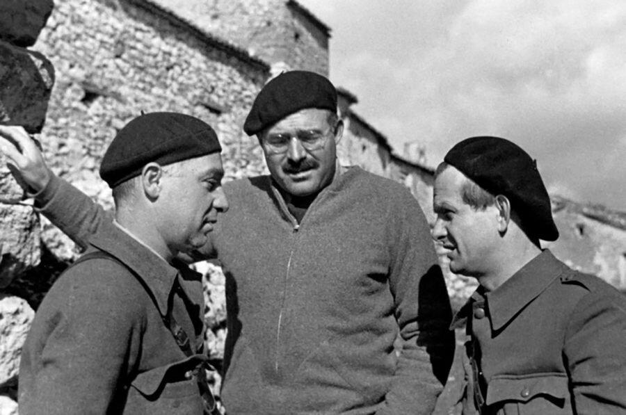 Savaştan bize kalanlar                                                                           Ernest Hemingway'in Çanlar Kimin İçin Çalıyor kitabı, Pablo Picasso'nun meşhur Guernica tablosu ve İsaac Albeniz'in Asturias bestesi o günleri anlamamıza yardımcı olabilecek bazı eserlerdenKaynak: http://www.bbc.co.uk             http://all-that-is-interesting...