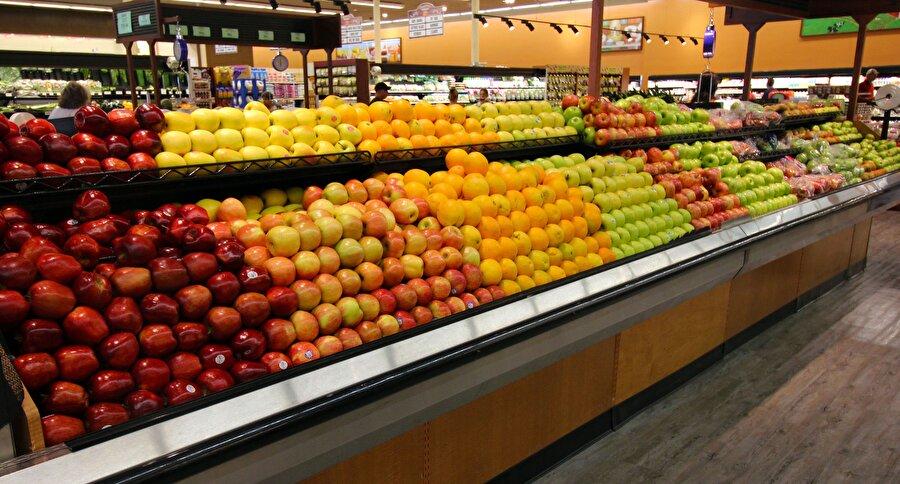 7.Süpermarketlerde müşteriler için tazeliği çağrıştırması amacıyla sebzelerin üzerine sprey ile su püskürtülür. Bu sular, ürünleri taze göstermenin yanında tartıda daha ağır gelmelerini de sağlayacaktır.