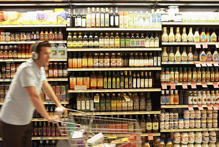 10. Süpermarkette çalınan ses ve müzikler müşterileri yavaşlatmak üzerine kurgulanmıştır. Markette süratin felaket olduğuna inanılır.