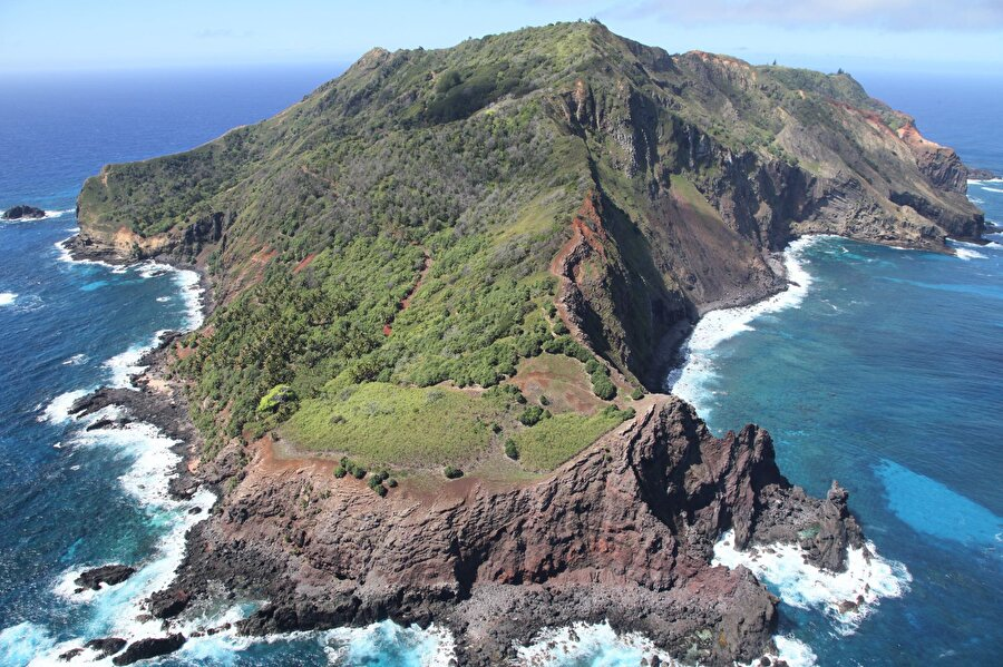 Pitcairn Adaları 58 kişinin yaşadığı bu adaların yüzölçümü 47 km²'dir.