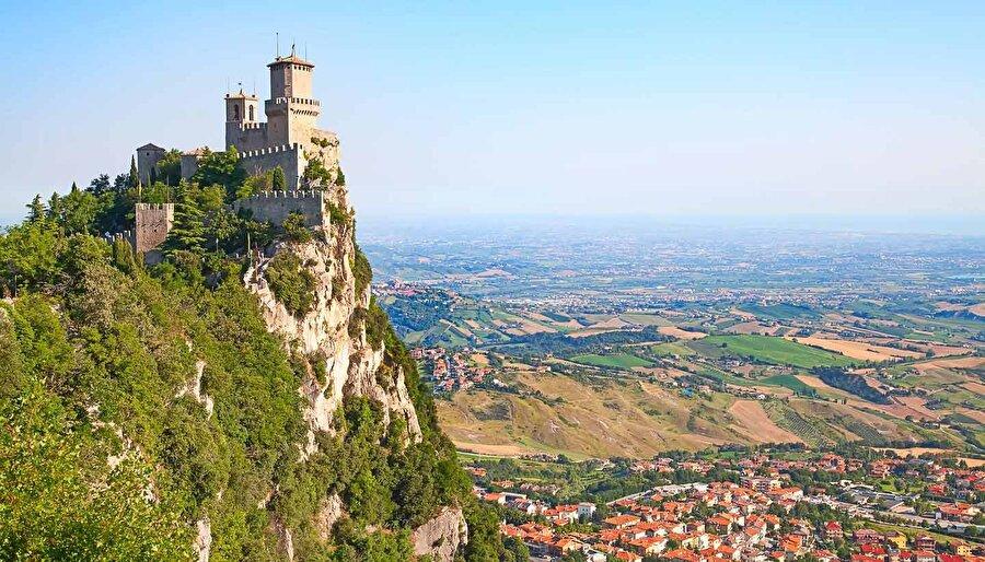 San Marino San Marino'nun nüfusu 29 bin, yüz ölçümü 621 km²'dir.