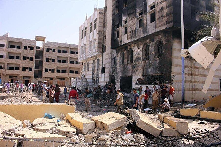Dünya Sağlık Örgütü'nün (DSÖ) 'Dünya İnsanî Yardım Günü' dolayısıyla yayımladığı rapora göre, Yemen'de 19 Mart 2015'ten 15 Ağustos 2017'ye kadar geçen süre zarfında ülkedeki şiddet olaylarında 8 bin 380 kişi öldü, 47 bin 741 kişi de yaralandı.