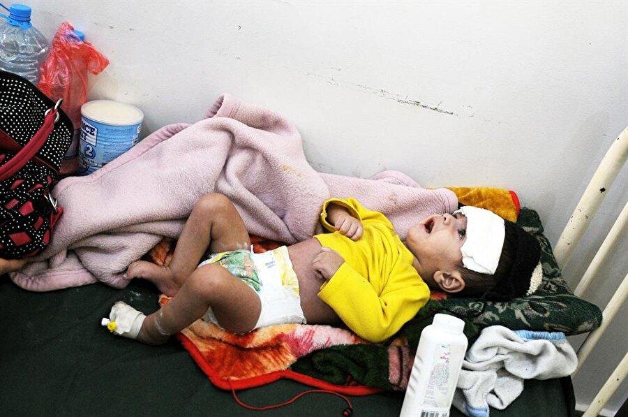 Dünya Sağlık Örgütü, tarafından yayınlanan raporda,  kolera salgınının salgının ortaya çıktığı tarihten bu yana Yemen genelinde 767 bin 524 şüpheli kolera vakası görüldüğü ve salgın nedeniyle 2 bin 127 kişinin hayatını kaybettiği belirtilirken ülkede devam eden çatışmalar, insani yardımların tedarik edilmesini sağlayan sınır kapılarının ve limanların kapatılması, milyonlarca kişinin temiz içme suyu sıkıntısı ve atıkların toplanamaması sonucu koleraya yakalanma riski her geçen gün artıyor.