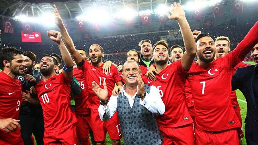 Gruptan çıkamadık Türkiye son olarak Fransa'da düzenlenen EURO 2016'dan gruptan çıkamadı.