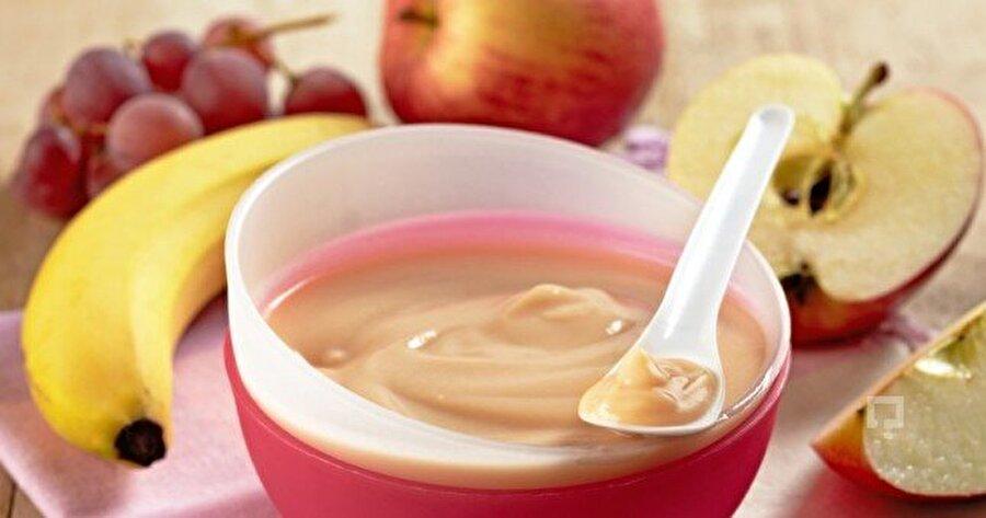 Karışık meyve püresi                                                                                                                                                                                                                               Elmayı ve balkabağını yıkayıp küçük bir tavaya alın, üzerine su döküp fırında 200 derecede pişirin. Daha sonra kabuklarını soyup çatalla ezin. Üzerine yoğurdu ilave edip karıştırın .En son pekmezi dökün.