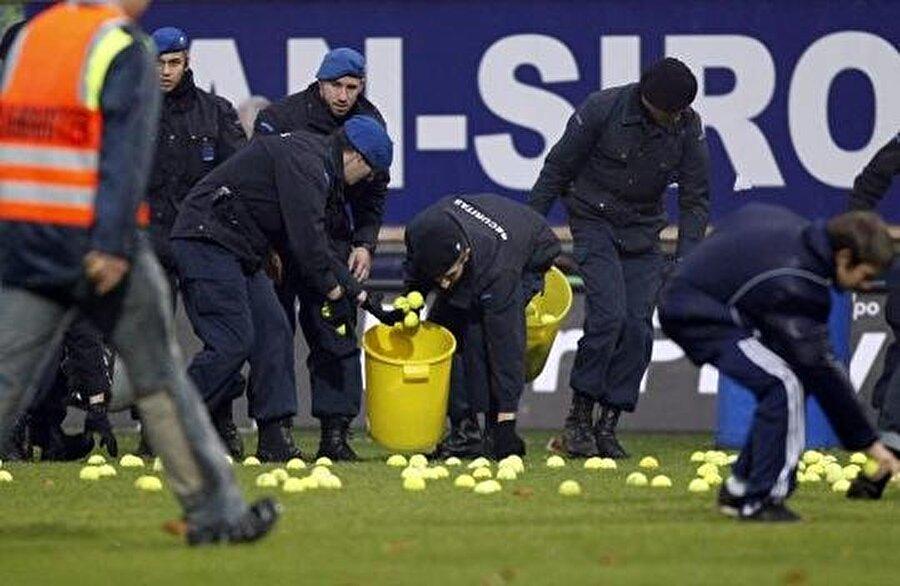 Basel ile Lozern arasında oynanan bu maçta ise bir başka top vardı sahada; tenis topu…