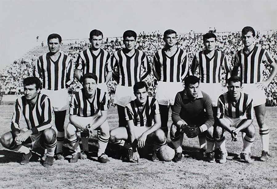 1.Futbol Ligi'ndeki en uzun sezon 1962-1963 sezonunda oynandı. 1962-63 sezonu aynı zamanda Milli Lig'in 5. sezonuydu.(Fenerbahçe'nin 1962-63 kadrosu)