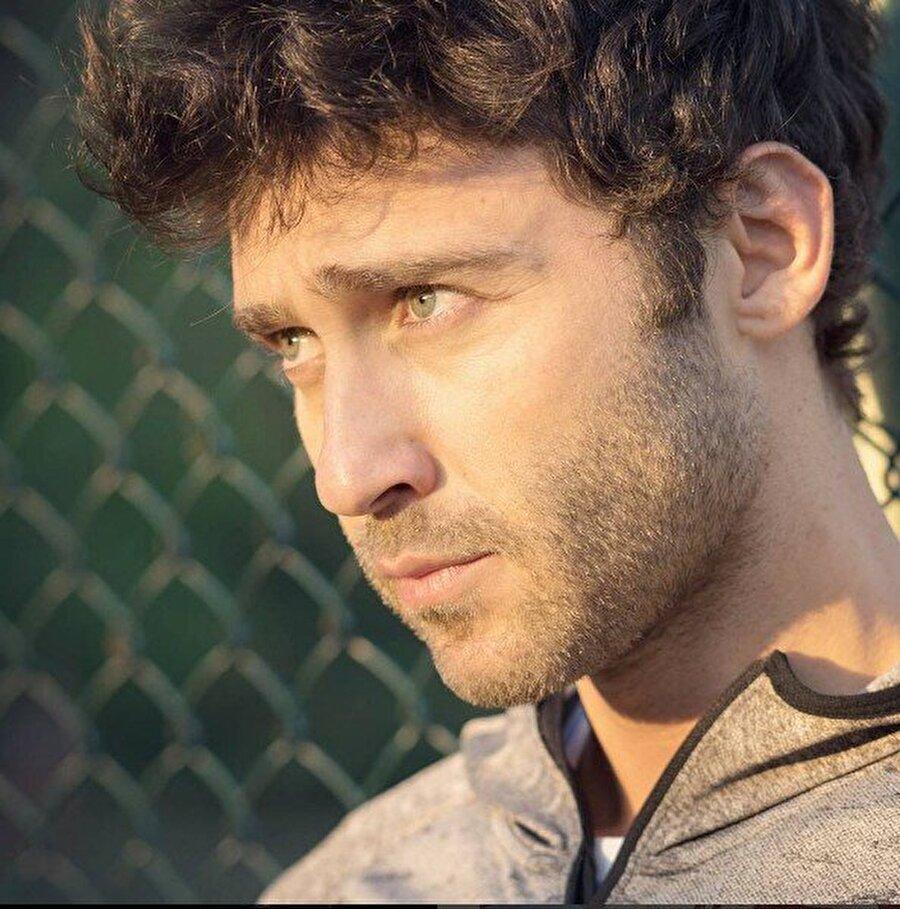 Seçkin Özdemir kimdir?                                                                                                                                                                                                                               Şimdilerin başarılı oyuncusu Seçkin Özdemir, 25 Ağustos 1981 tarihinde İstanbul'da doğdu.