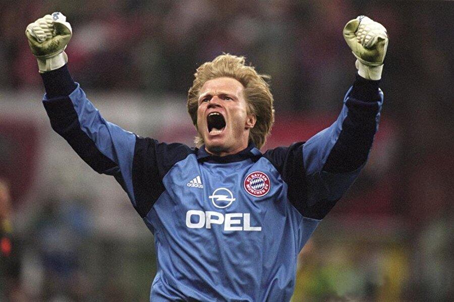 Oliver Kahn                                      Almanya Milli Takımı ve Bayern Münih'in efsane kalecisi Oliver Kahn 40 yaşında emekliye ayrıldı. Bayern Münih'te 20 yıl boyunca kaleyi koruyan Oliver Kahn, 2 Eylül 2008'deki jübile maçıyla futbolu bıraktı. Bir kaleci olarak sayısız rekora sahip olan Oliver Kahn'ın emeklilik yaşı ise Fenerbahçeli Volkan Demirel için son derece önemli. Volkan, Kahn'ın rekorunu kırıp 41.5 yaşına kadar futbol oynamayı istiyor.