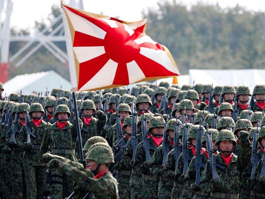 7.) Japonya                                                                                                                                                     Aktif personel sayısı: 307 bin 900     Savunma bütçesi: 40 milyar 300 milyon     Tank: 678     Savaş Uçağı: 1,590     Uçak gemisi: 3     Askeri denizaltı: 17