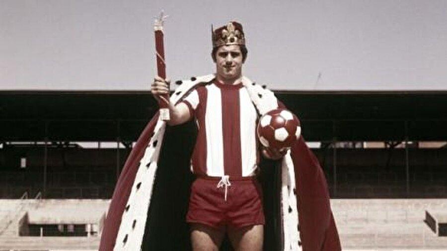 Ayrıca Müller; 1973,1974,1975 ve 1977'de Şampiyon Kulüpler Kupası'nda Gol kralı oldu. Efsane 1972 yılında ise Avrupa Futbol Şampiyonası'nda gol krallığı unvanının elde etti. Uzun yıllar Bayern Münih forması giyen Müller; 1967, 1969, 1970, 1972, 1973, 1974 ve 1978 yıllarında Bundesliga'da gol krallığına ulaştı.