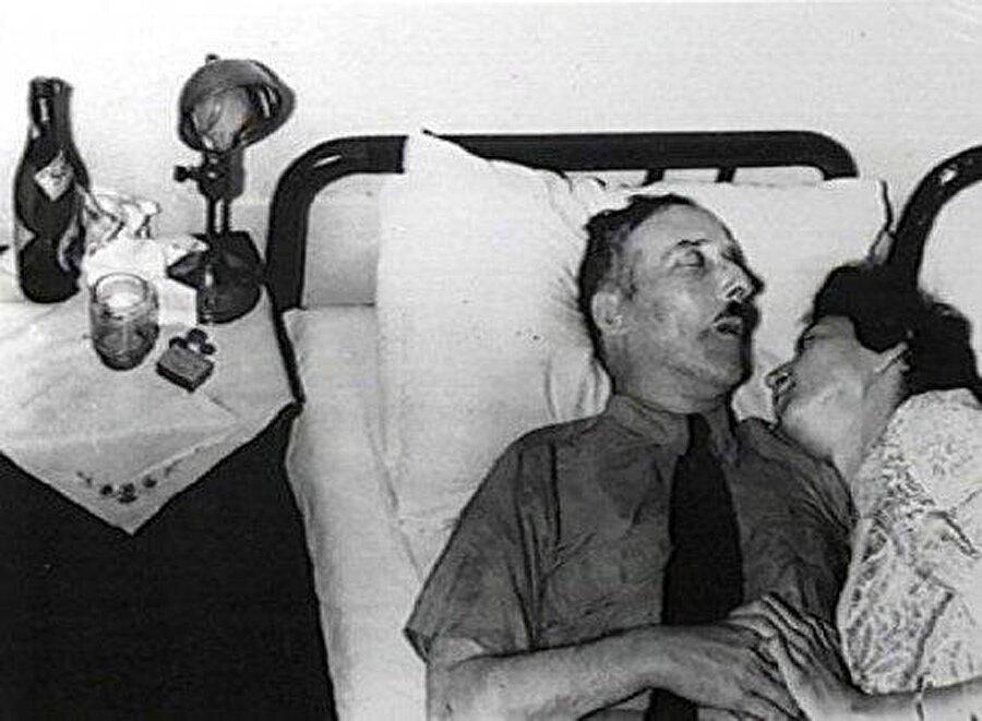 Nazi baskısına dayanamaz, intihar eder!                                                                           Bir süre Brezilya'da yaşayan başarılı yazar, burada da çeşitli eserler kaleme alır. Var olan Nazi baskısına dayanamayan Zweig, karısı ile birlikte 22 Şubat 1942 tarihinde intihar eder.