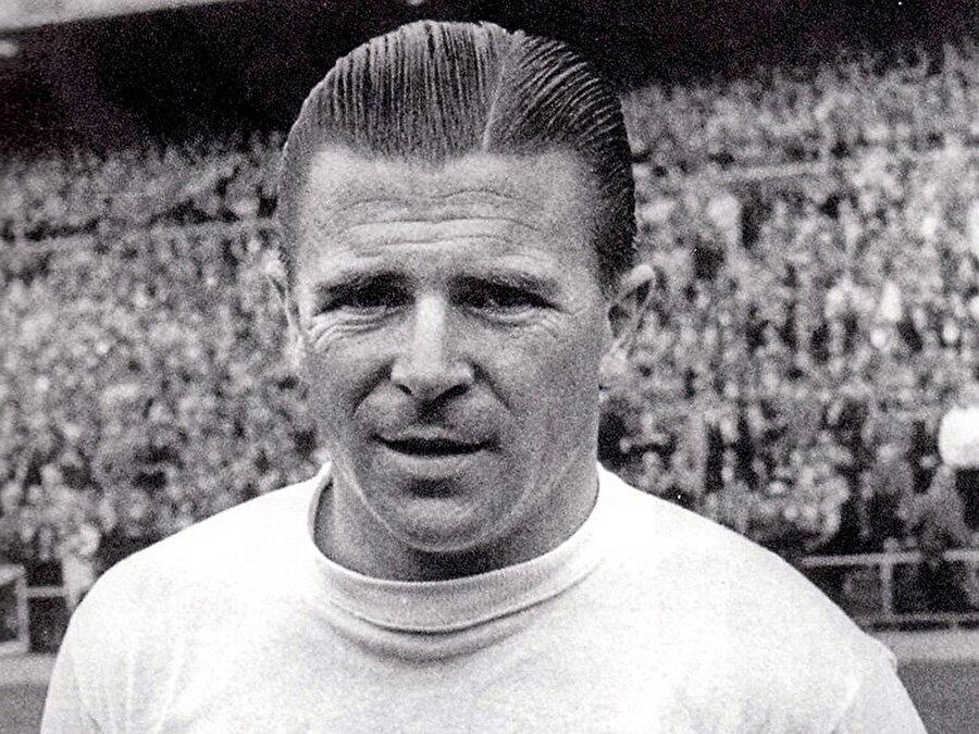 1945-1956 yılları arasında Macaristan Milli Takımı forması giyen Puskas, 1961'de İspanya Milli Takımı'na geçti.