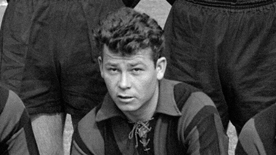 1950 yılında Fontaine, Casablanca takımının formasını giymeye başladı. Burada üç sezon top koşturan Fortaine çıktığı 48 maçta 62 gol attı.