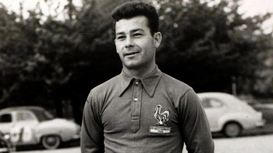 1953 yılında Fortaine, Nice'e imza attı. Aynı yıl yetenekli forvet Fransa Milli Takımı forması giymeye başladı.