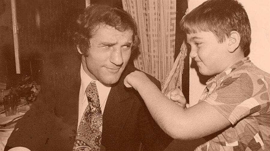 Türkiye'nin ilk Avrupa şampiyonu unvanını elde eden Kamacı 11 Kasım 1976'da jübile yaptı.