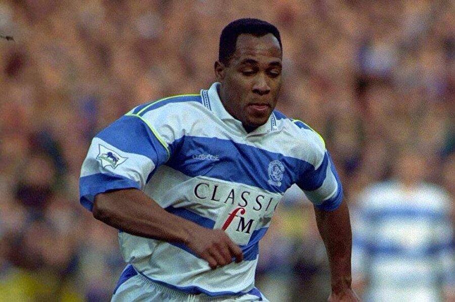 Queens Park Rangers'ta 183 maçta 90 gol atan Ferdinan Sir unvanını aldı. Ferdinand 1995'te 6 milyon sterlin karşılığında Newcastle United'ın yolunu tuttu ve burada 84 maçta 50 gol attı.