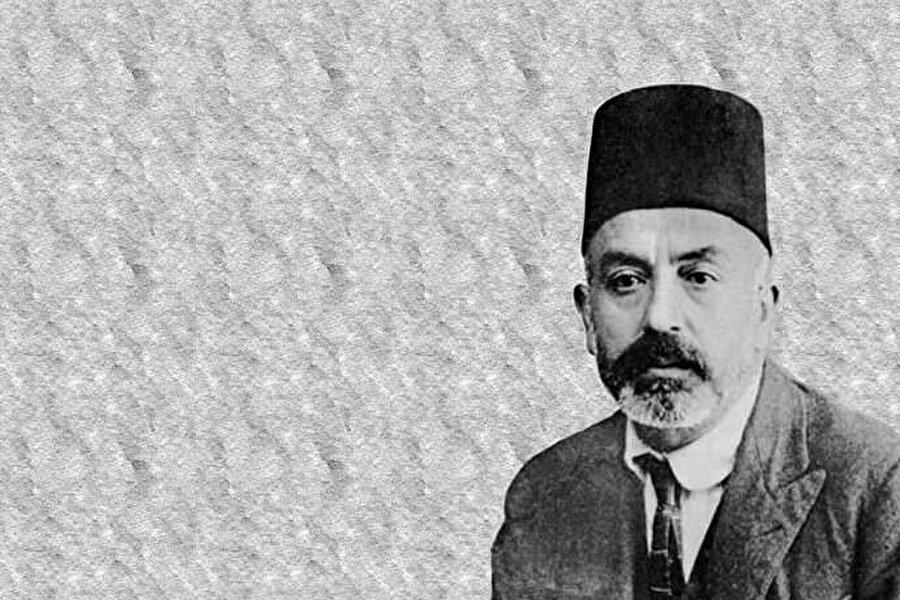 Uykusuz kalarak bitirdiği İstiklal Marşı, meclis tarafından büyük alkışlar eşliğinde kabul edilmişti.