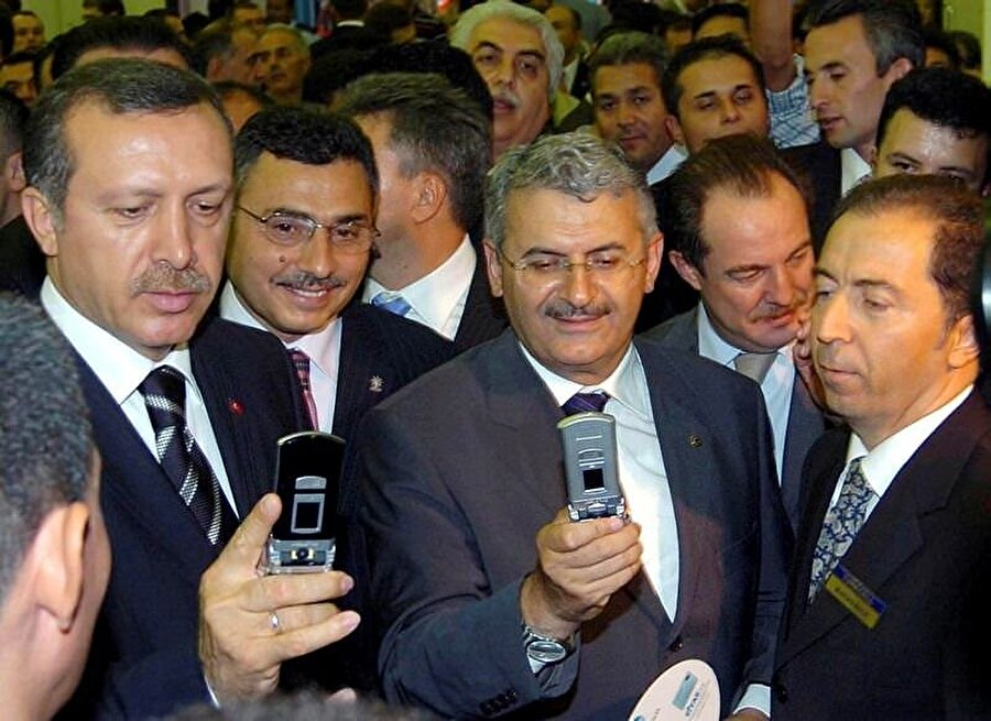 Devlet içerisindeki ilk görevi 6 yıl sürdürdüğü İstanbul Deniz Otobüsü İşletmeleri (İDO) Genel Müdürlüğü oldu.