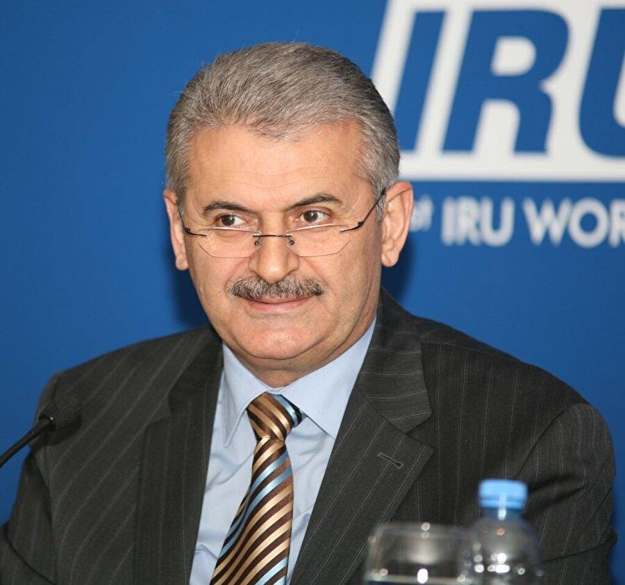 Türkiye'nin en uzun dönem Ulaştırma Bakanı olarak görevini sürdüren kişi oldu.
