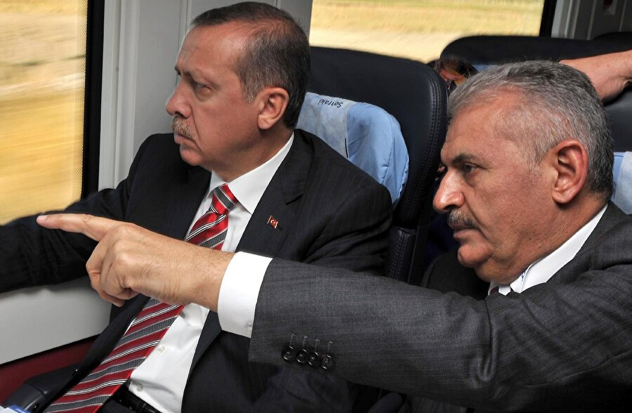Partinin 3 dönem kuralı nedeniyle 2015 seçimlerine katılmadı. İki yıl boyunca Erdoğan'ın danışmanlığını yaptı.