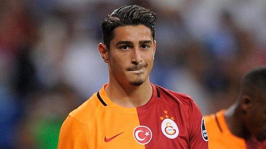 Koray için teklif bekleniyor 23 yaşındaki stoperle Torino ve Lazio'nun ilgilendiği öğrenildi. Eğer teklif gelirse Koray Günter ile yollar ayrılacak.
